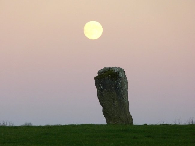 Kilnavart_Standing_Stone